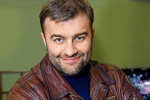 А вы видели жену «русского Шварценеггера» Михаила Пореченкова? Только взгляните на эту прелестную брюнетку