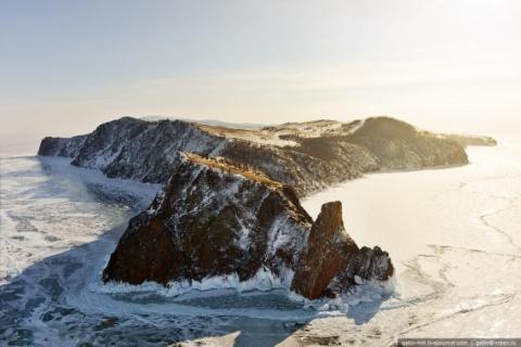 Скованный льдом: сказочный з…