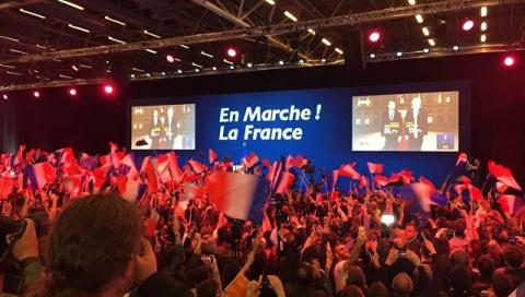 На выборах президента Франции, после подсчета 78 % Макрон вырывается вперед
