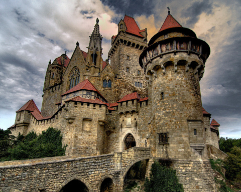 Замок Кройценштайн (Burg Kreuzenstein), Австрия