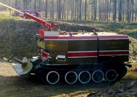 В Восточный военный округ началась поставка современных пожарных танков