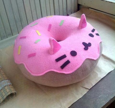 Подушка пончик PusheenCat