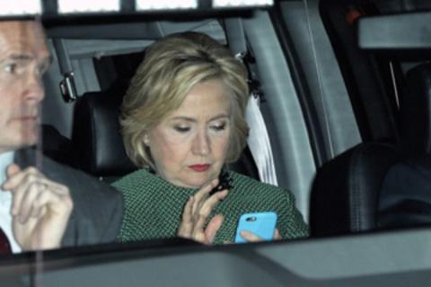 Хиллари Клинтон может получить реальный тюремный срок, ей уже подыскивают специальных адвокатов