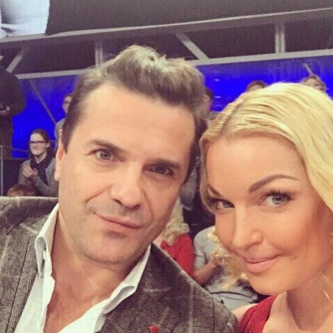 Что связывает Настю Волочкову и актера Сергея Астахова?