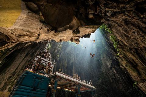 Удивительные пещеры мира