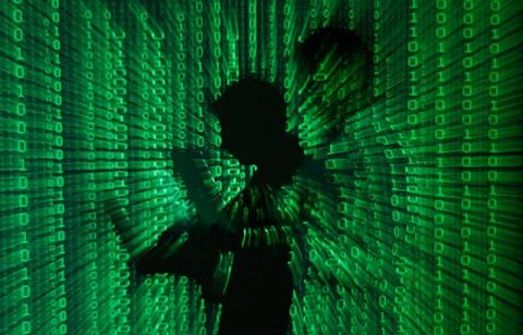 Арестованные хакеры-сотрудни…