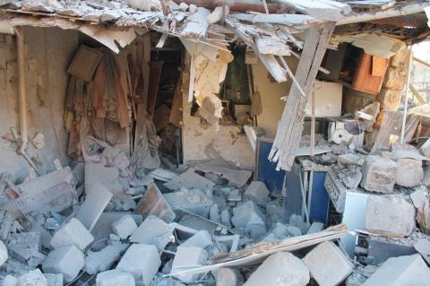 Донецк: в сети появились фото с мест разрушений после обстрела ВСУ