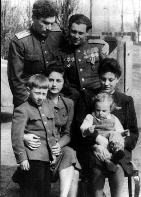 Детство В.Высоцкого в ГСВГ. (22)