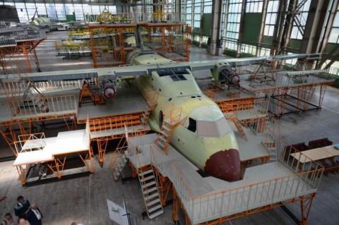 Текущее состояние сборки первого лётного прототипа лёгкого военно-транспортного самолёта Ил-112В