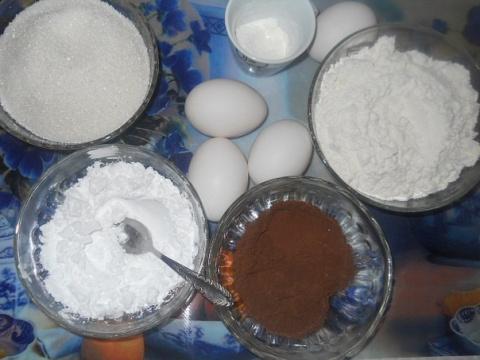 Фото приготовления рецепта: Шварцвальдские пирожные - шаг №1