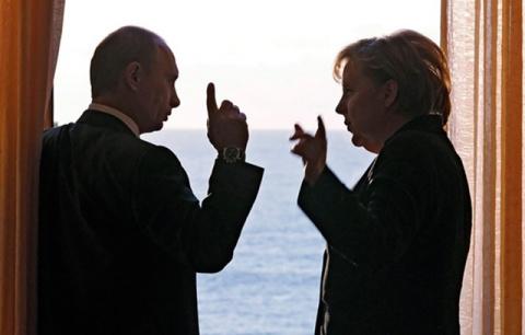 Путин – Меркель: Киев подрыв…