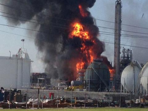 На заводе в Испании число пострадавших при взрывах возросло до 30 человек