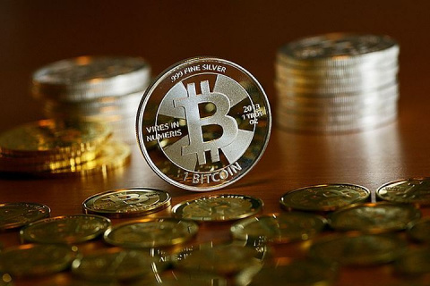Курс биткоина впервые преодолел отметку в $8 тысяч