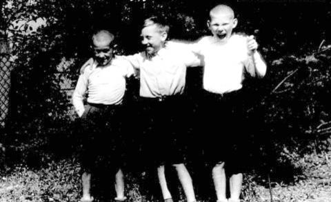 Детство В.Высоцкого в ГСВГ. (12)
