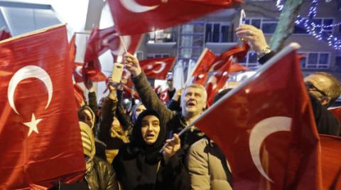"""""""Это уже за гранью"""": как поссорились Турция и Нидерланды"""