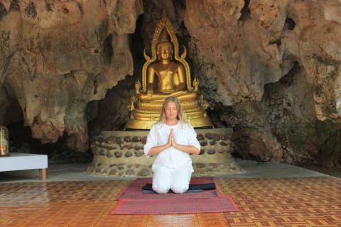 7 дней в утопии в монастыре Ват Там Вуа