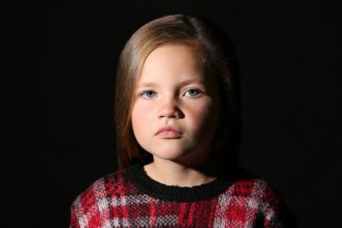 В суровых 90-х росли суровые дети, особенно мне запомнилась эта девчонка…