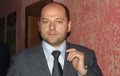 Суд определил сумму содержания депутата, который предлагал россиянам «поменьше питаться»
