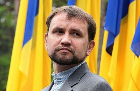 Вурдалак Вятрович призвал украинцев отказаться от родных в России