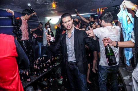Как в Донецке ночной клуб закрывали