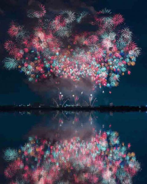 Красочные фестивали фейервер…