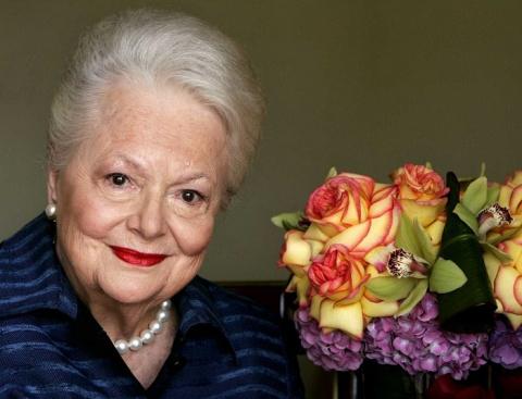 Как выглядит старейшая актриса Голливуда