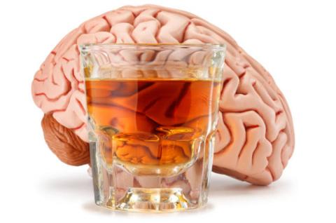 Нет такого заболевания, течение которого не ухудшилось бы от употребления алкоголя.