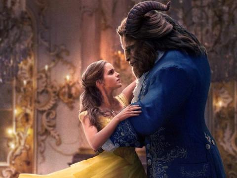В интернете появились кадры «Красавицы и Чудовища» без компьютерной графики и люди не могут перестать смеяться