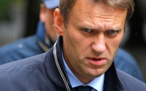 Навальный вышел на свободу п…
