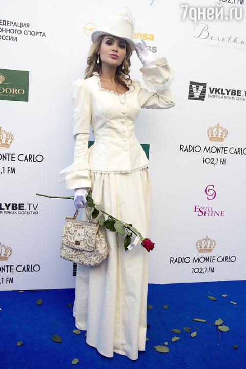 Анна Калашникова готовится к свадьбе