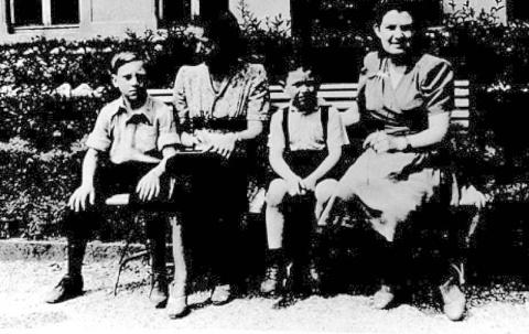 Детство В.Высоцкого в ГСВГ.(08)