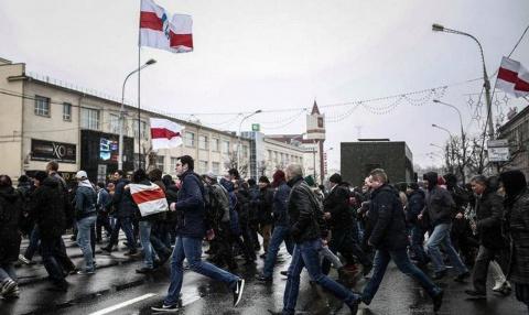 Белорусские реваншисты решили посягнуть на День Победы. Арина Цуканова