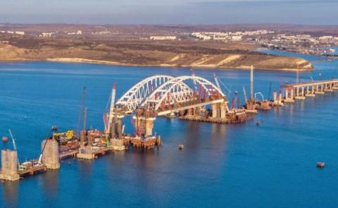 Крымский мост: триумфальная арка