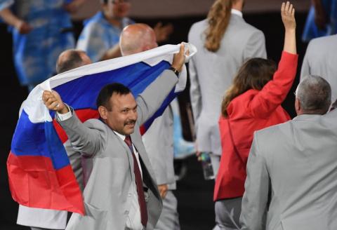 Реакция пользователей сети на российский флаг на Паралимпиаде