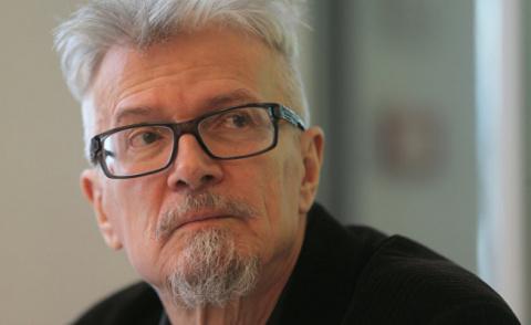 Писатель Эдуард Лимонов в пр…