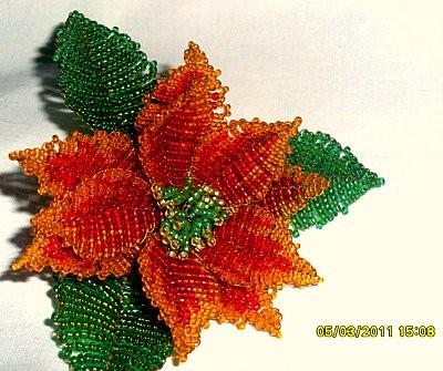 параллельное плетение.  Бисерные розы - здесь работы выполненные из бисера .а так же схемы по бисероплетению.