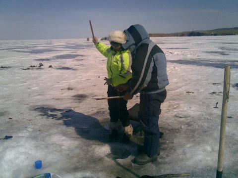 Подледная рыбалка на Байкале