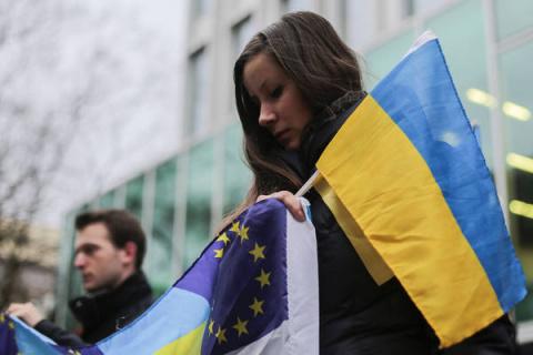 СМИ: Запад запустил процесс смены власти на Украины