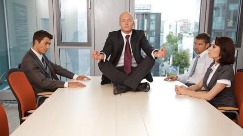 Зарабатывать или медитировать?