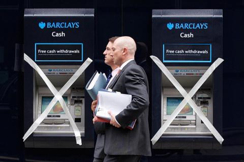 Анна Зеленцова: Чаще всего по спорным операциям банки все возвращают