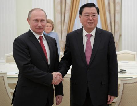 """Китай отреагировал на заявления США об """"изоляции России в ООН"""""""