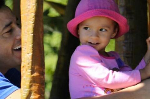 5-летнюю девочку, которая победила рак, насмерть задавил пустой автомобиль