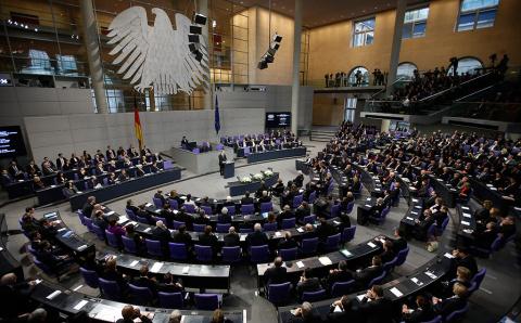 Германский политик подтвердил планы введения санкций против России из-за Сирии