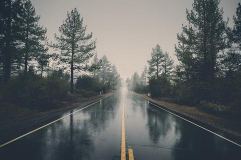 В Саратове дорожники за свой счет отремонтируют 13 дорог