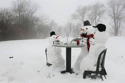 Снеговики и снежные бабы на …