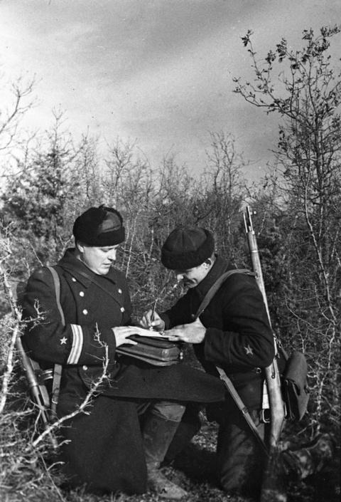 КАК БРАТВА РЕЗАЛА НЕМЦЕВ. 1945 Г.
