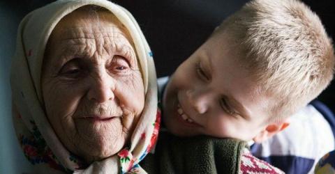 Бабка была тучная, широкая, …
