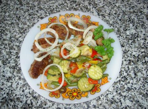 чевапчичи с овощами по-средиземноморски