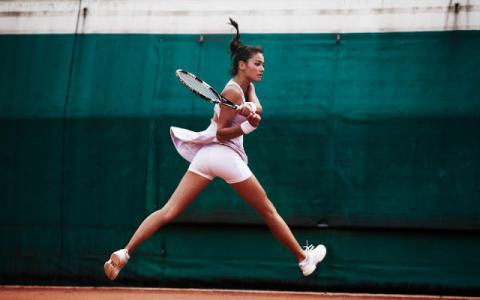 Сюр дня: теннисный матч прер…