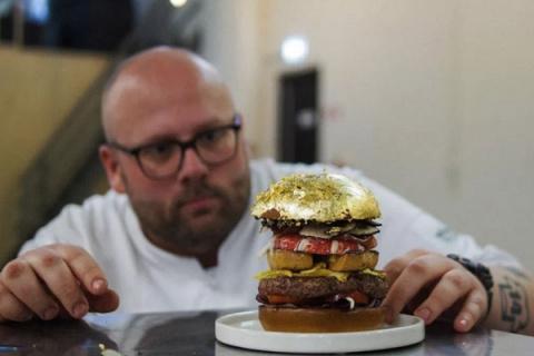 Золотой бургер Диего Буика